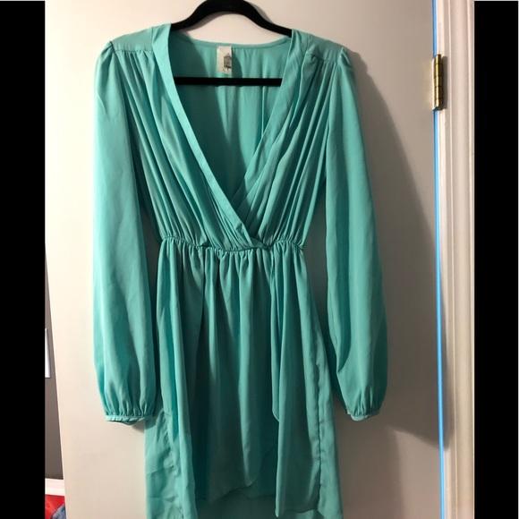 Francesca's Collections Dresses & Skirts - Francesca Long Sleeve Faux Wrap Dress